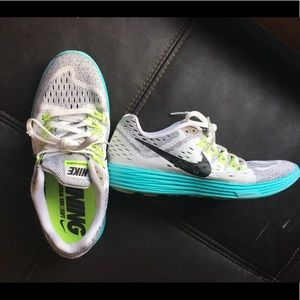 Shoes - Nike 7.5 lunar run shoes